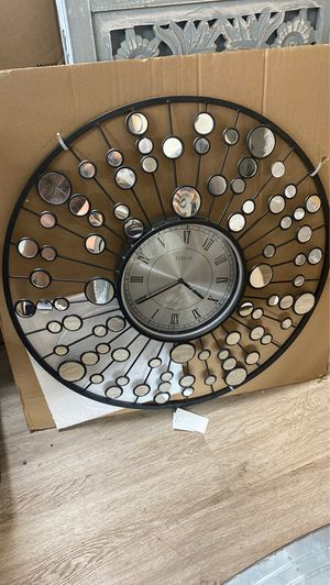 Mirror clock wall decor for Sale in Los Angeles, CA