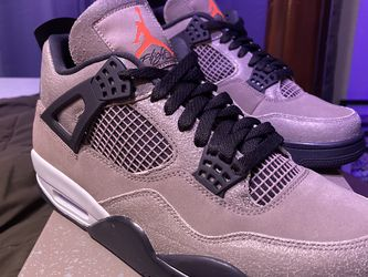 Air Jordan 4 Retro Taupe Haze Size 9.5 for Sale in Tacoma,  WA