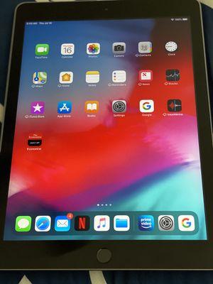 Apple iPad 5th Gen for Sale in Austin, TX