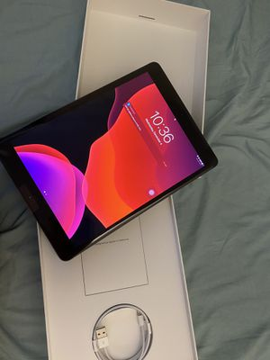 ipad 7th gen 32gb wifi only for Sale in Los Angeles, CA