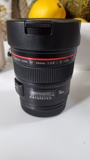 CANON 14mm F2.8L II Lens for Sale in Happy Valley, OR