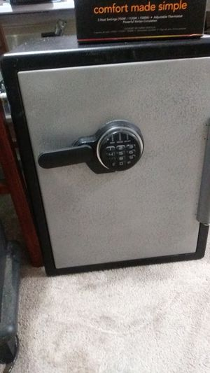 Sentry Safe - Changeable digital combo lock for Sale in Tacoma, WA
