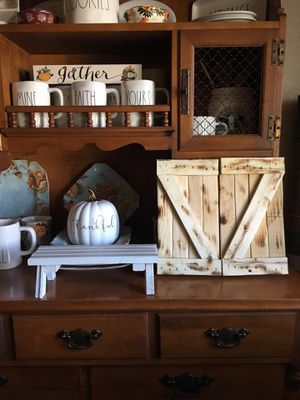 Rustic miniature barn doors for Sale in GLMN HOT SPGS, CA