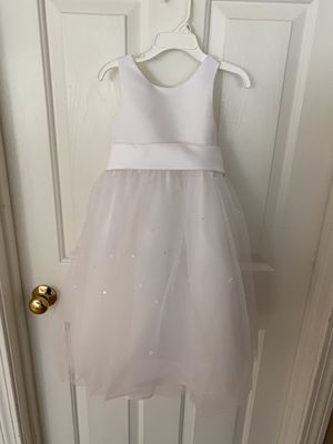 Flower Girl Dress , Bow(s) & Veil size 2T for Sale in Tyngsborough, MA