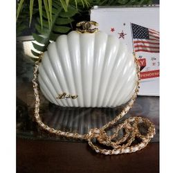 C H A N E L CC VIP Bag Purse Pearl Shell for Sale in Tulalip,  WA