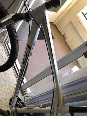 Mountain bike in really good condition.. rarely used $350 for Sale in San Diego, CA