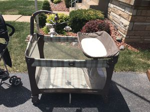 Pack and play / Play pen! Great condition! for Sale in Chicago, IL