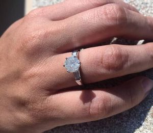 HUGE 1.58 CARAT PLATINUM DIAMOND SOLITAIRE ENGAGEMENT WEDDING RING for Sale in Oceanside, CA