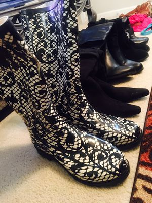 Size 11 Women's boot's for Sale in Brentwood, NC