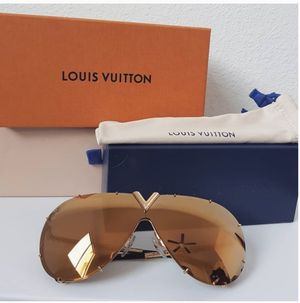 Louis Vuitton Drive Sunglasses for Sale in Claremont, CA