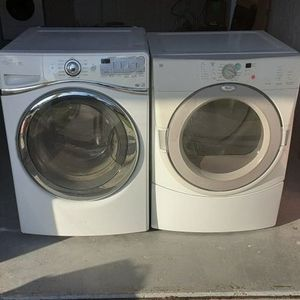 Whirpool Duet Washer & Dryer for Sale in St. Petersburg, FL