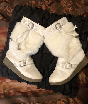 George girls winter boots size 1 1/2 for Sale in Pleasant View, TN