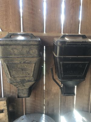 Feed dispenser for Sale in Knoxville, TN