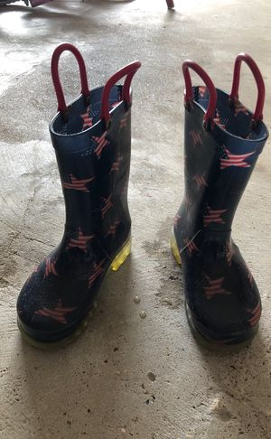 Kids rain boots size 8 for Sale in Manvel, TX
