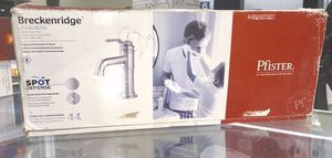 Single Control Lavatory Faucet Griferia para lavamanos Pfister for Sale in Miami, FL