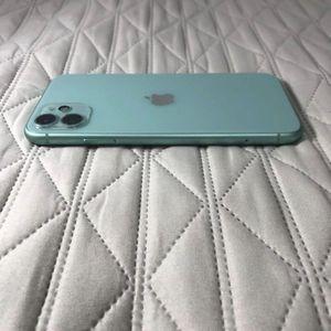 iPhone 11 Pro - Like New - Unlocked - Warranty for Sale in Medford, MA