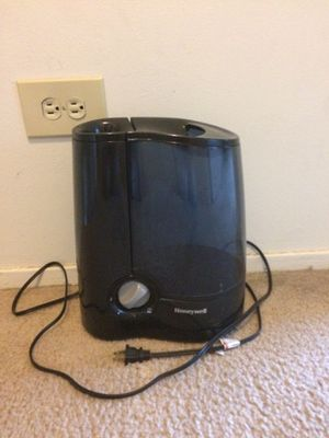 Honeywell Humidifier- perfect condition for Sale in Aurora, IL