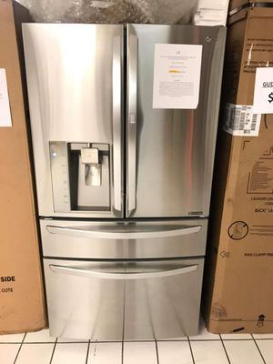 LG 29.7-cu ft 4-Door French Door Refrigerator with Ice Maker for Sale in Rogers, AR
