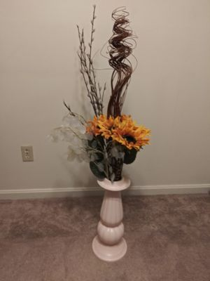 Flowers and vase for Sale in Lynn, MA