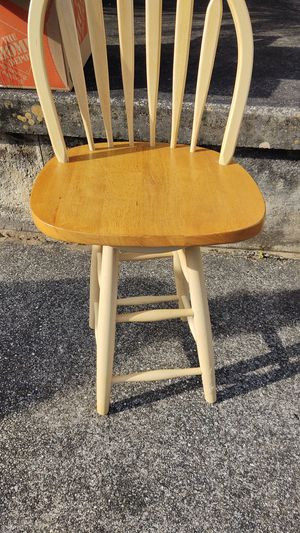 Swivel Wooden Bar Stool for Sale in Edgewater, FL