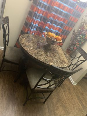 Dining table for Sale in St. Petersburg, FL