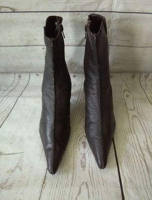 Beautiful Newport News Boot , women's size 7.5 ( excellent condition ) for Sale in Frederick, MD