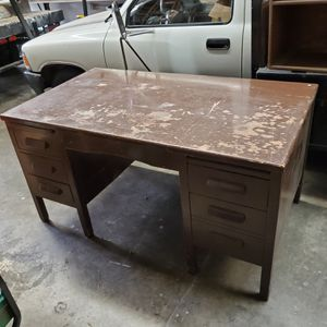 Desk with a free optional organizer for Sale in San Dimas, CA