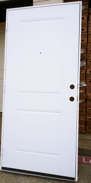 Puertas exteriores 36x80 de metal tengo 5 con el mismo diseño 3 iscuierdas y 2 derechas precio $100 cada una no menos for Sale in Dallas, TX