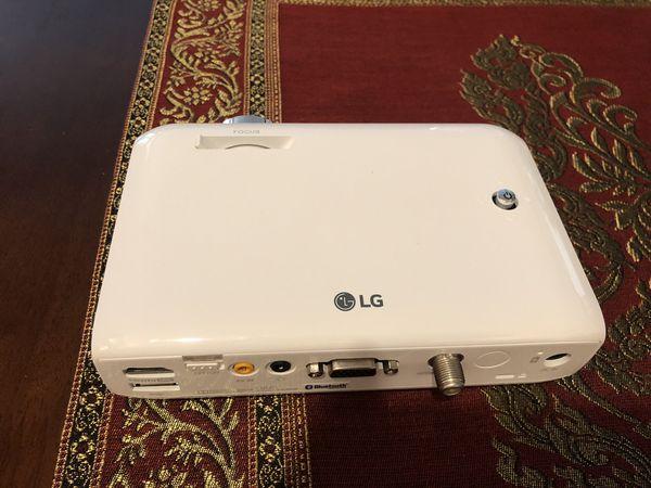 LG CineBeam PH550 DLP Projector