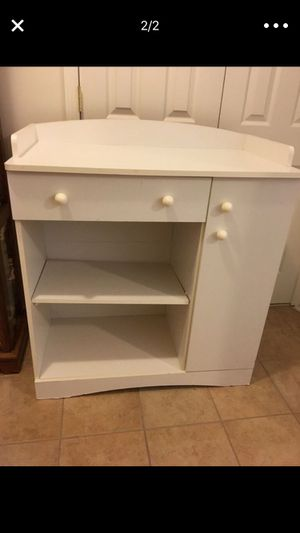 WHITE CHANGING TABLE W STORAGE / LAUNDRY FOLDING STATION for Sale in Stafford Township, NJ