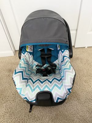 car seat with base for Sale in Pittsburg, CA