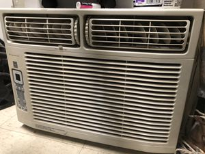 Frigidaire Window AC Unit-300btu for Sale in Falls Church, VA