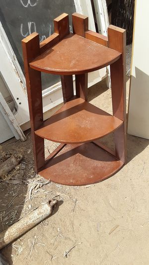 Small Wood table top corner shelf for Sale in Yuma, AZ
