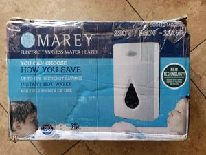 Electric thankless water heater for Sale in Las Vegas, NV