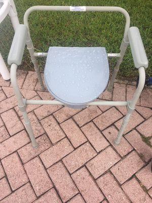 Toilet , silla inodoro for Sale in Miami, FL
