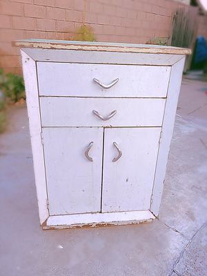 Vintage Metal Medical Cabinet for Sale in Fullerton, CA