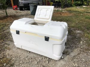 165 Quart Igloo MAXCOLD cooler for Sale in West Palm Beach, FL