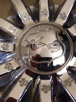 Borghini B15 - K9 - Center Caps (4) w/Screws for Sale in Arlington,  TX