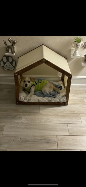 Dog house wood bed for Sale in Wesley Chapel, FL