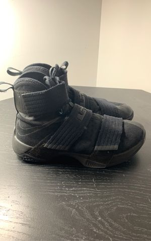 Lebron soldier 10 for Sale in Chantilly, VA