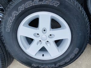 "17"" 4 wheels & tires 255/75R17 for Sale in Gilroy, CA"