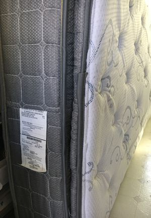Twin size pillow top mattress with metal bed frame in great shape. Barely used. for Sale in Nokomis, FL