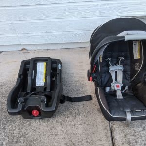 Graco Snugride And Base for Sale in Mountain View, CA