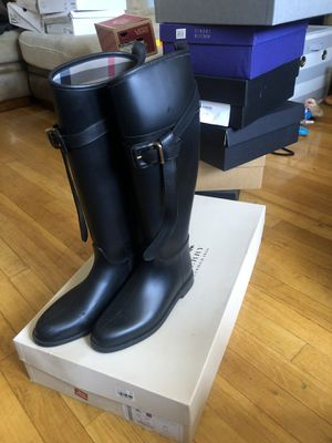BURBERRY Black Rainboots w/Signature Plaid Lining and Strap w/Buckle Sz 5 for Sale in Bronx, NY