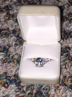 Diamond ring size 8 for Sale in Fontana, CA