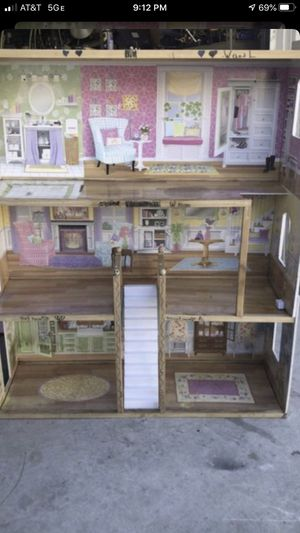 Doll house for Sale in Fontana, CA