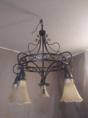 5 lamp Chandelier for Sale in Tucson, AZ