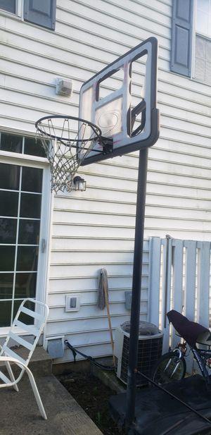 Portable Basketball Hoop for Sale in Reynoldsburg, OH