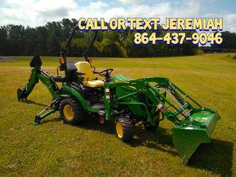 Brand new John Deere 1025r Tractor Loader Backhoe for Sale in Williamston,  SC