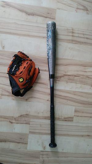 "10"" Wilson baseball glove and Rawlings bat for Sale in Tacoma, WA"